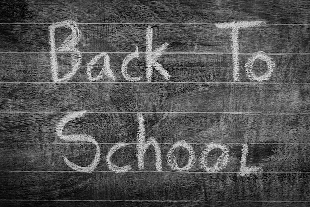 Desenho volta à escola no quadro-negro freehand, filtrada pr imagem