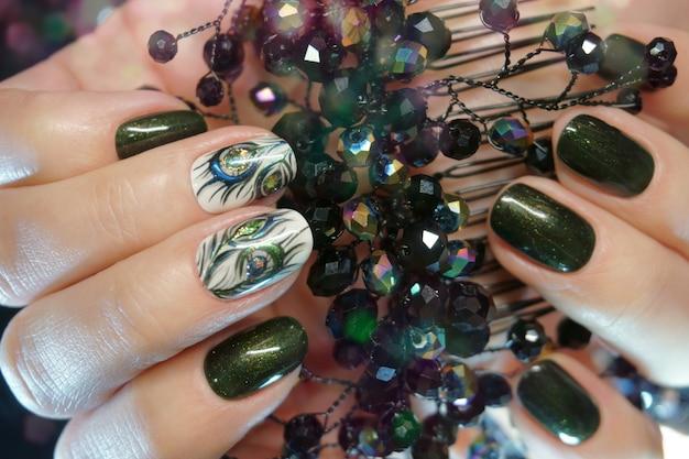 Desenhos de unhas com decoração Foto Premium
