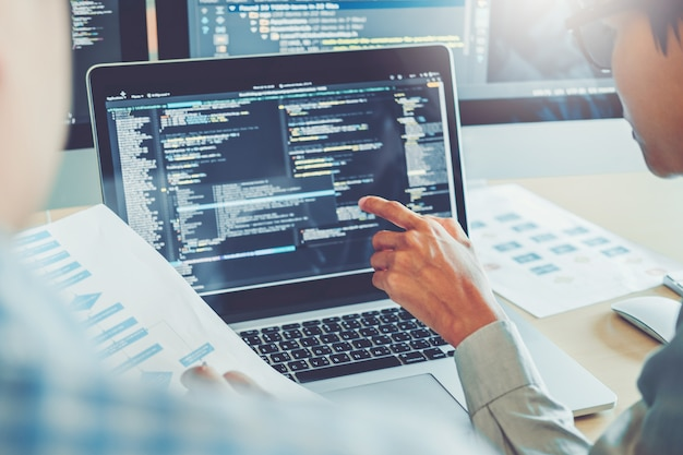 Desenvolvendo programador desenvolvimento de equipe design de website e tecnologias de codificação