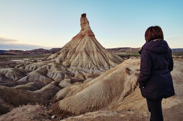 Deserto do bardenas reales na espanha ao pôr do sol