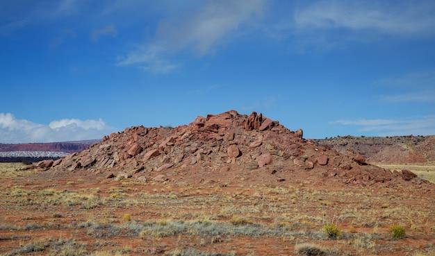 Deserto e montanhas nuvens sobre o sudoeste do eua novo méxico deserto