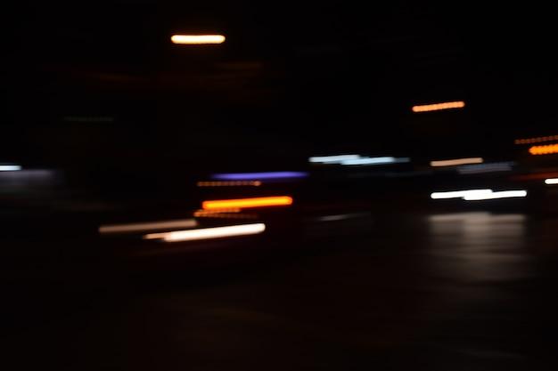 Desfocar fundo linha de luz tráfego