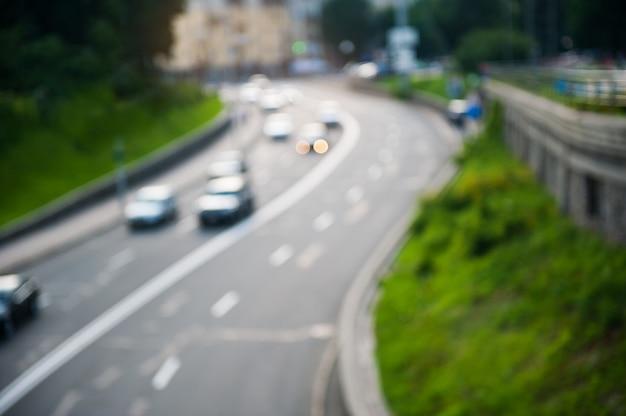 Desfocar movimento abstrato de tráfego na cidade