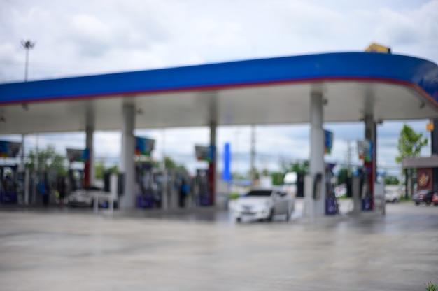 Desfocar o fundo de foco. posto de gasolina. estação de petróleo.