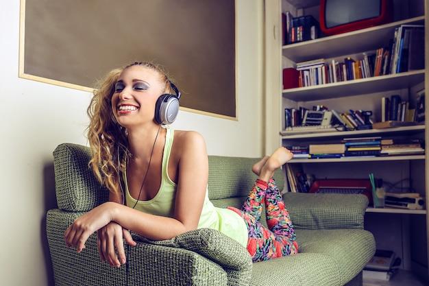 Desfrutando de música em casa