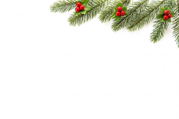 Design de borda de vista superior de plano de fundo natal e ano novo em fundo branco