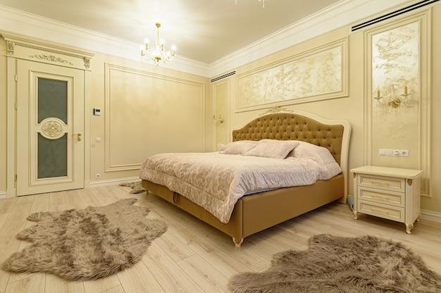 Design de interiores, quarto grande e moderno de luxo
