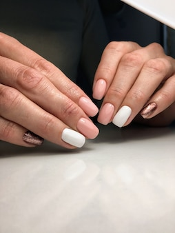 Design de unhas lindas mãos femininas