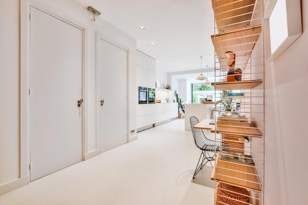 Design interior luxuoso de uma casa moderna