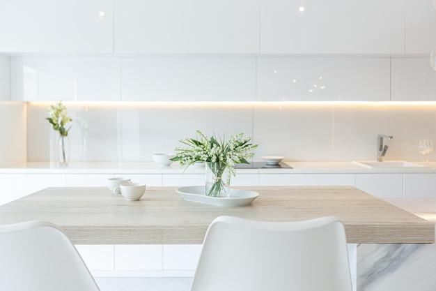 Design interior moderno e moderno de um grande estúdio