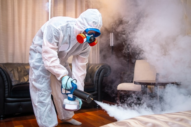 Desinfecção das instalações. tratamento antiviral. lutando contra
