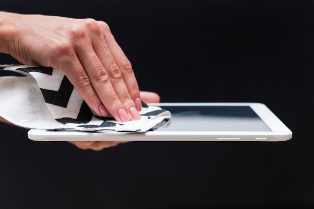 Desinfecção de mãos tablet