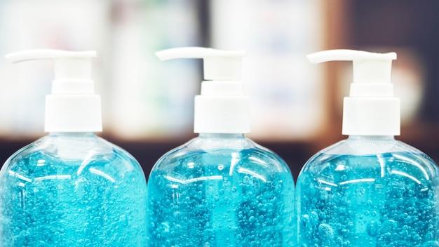 Desinfetante para as mãos em frascos de bomba