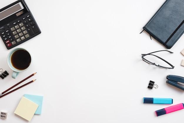 Desktop com elementos de escritório