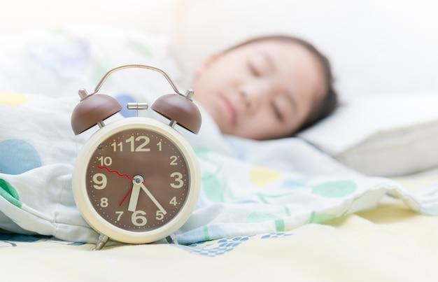 Despertador às seis horas