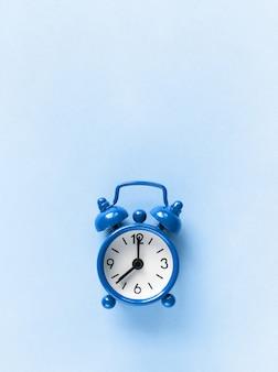 Despertador azul pequeno