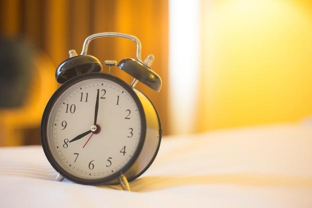 Despertador no quarto