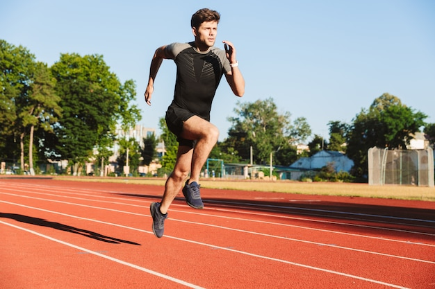 Desportista jovem dedicado