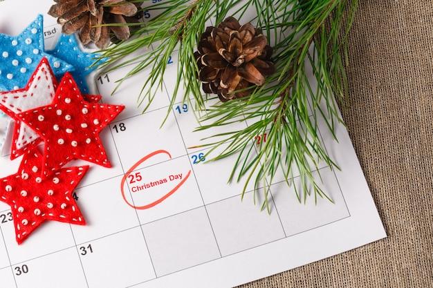 Destacando a data de natal no calendário