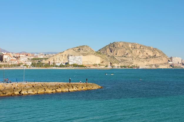 Destino mediterrâneo da cidade de alicante na espanha