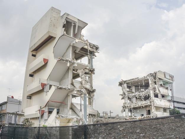 Destruir o edifício