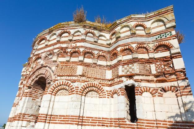 Destruiu a igreja de são joão aliturghetos em nessebar, bulgária.