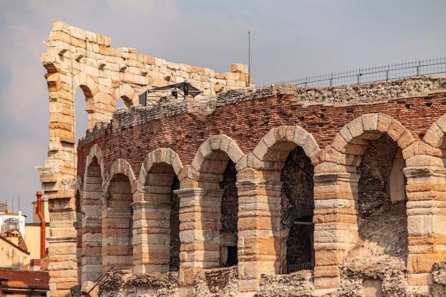 Detalhe da arena di verona, a construção antiga mais famosa da cidade
