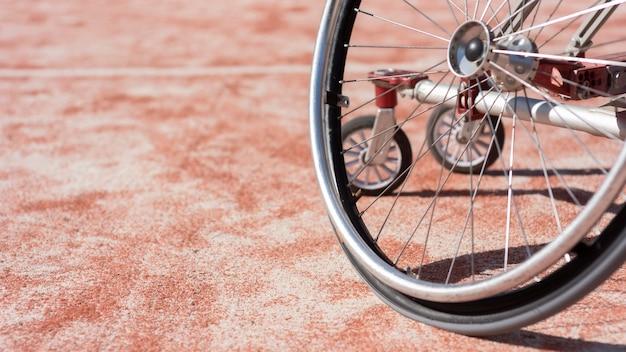 Detalhe da cadeira de rodas
