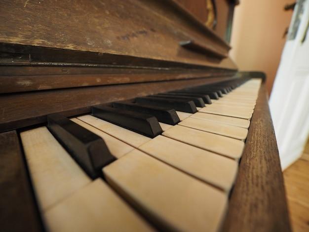 Detalhe das teclas do teclado do piano