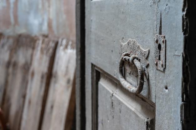 Detalhe, de, antiga, porta, em, abandonado, casa