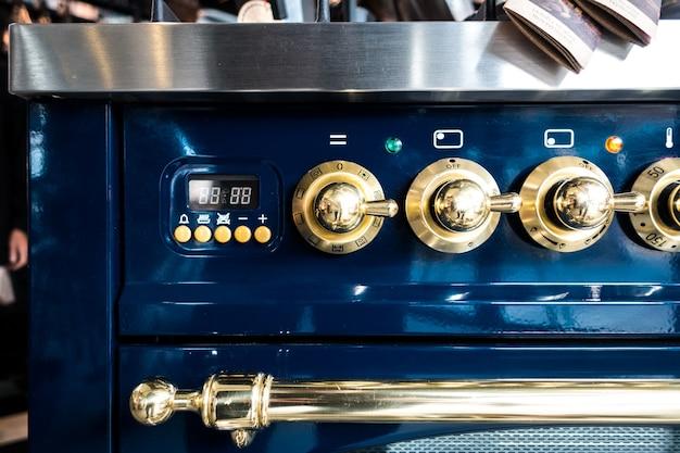 Detalhe de forno vintage profissional