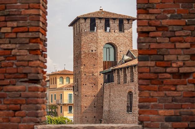 Detalhe do castelvecchio em verona, um castelo medieval no norte da itália