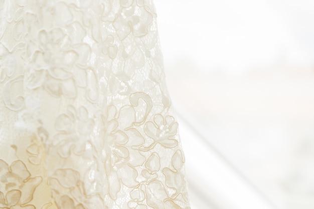 Detalhe do vestido de casamento branco