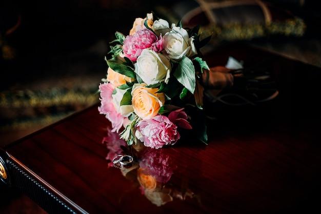 Detalhes bonitos do casamento da cerimônia e recepção