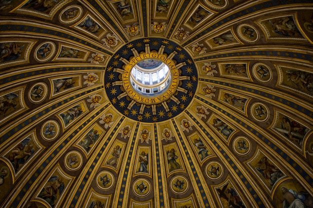 Detalhes da cúpula da basílica de st peters