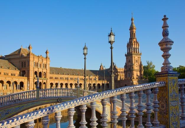 Detalhes da plaza de espana, em sevilha, espanha
