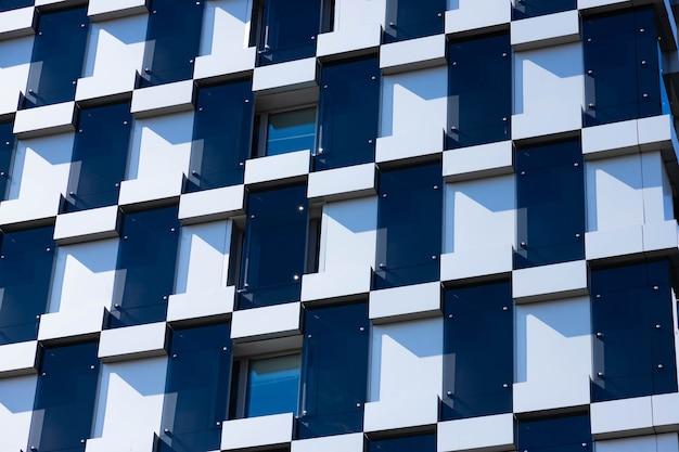 Detalhes de arquitetura de construção, design de fachada. construção moderna