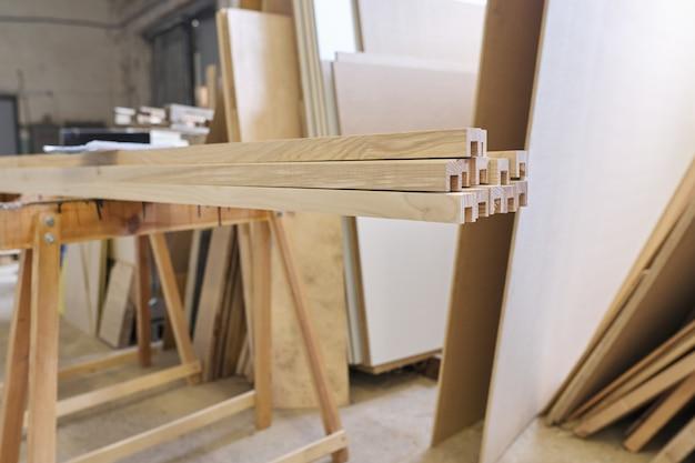 Detalhes de móveis de madeira, carpintaria de carpintaria
