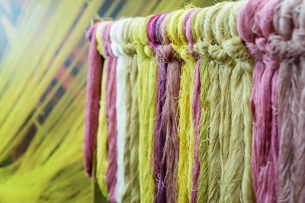 Detalhes de seda colorida natural.