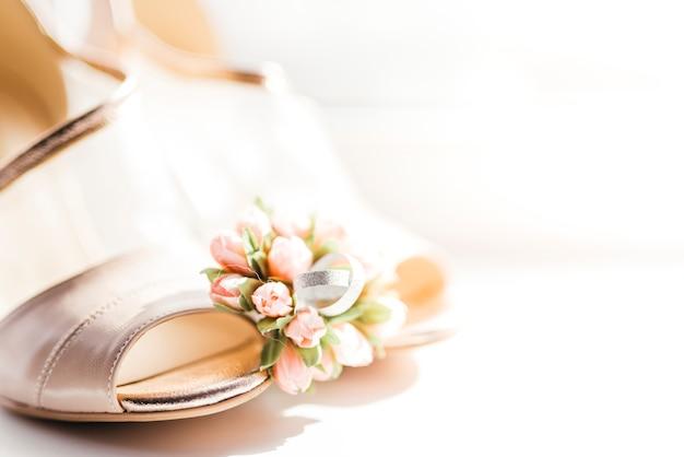 Detalhes delicados do casamento