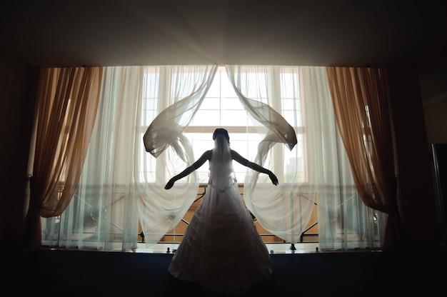 Detalhes do casamento da noiva, vestido de casamento branco para uma esposa