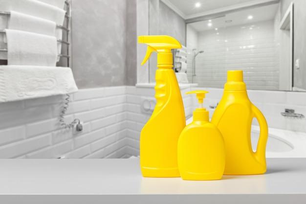 Detergente e condicionador para garrafas