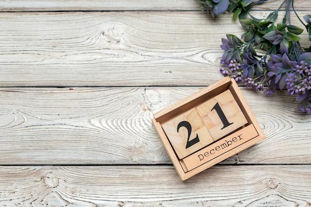 Dia 21 de dezembro mês calendário em fundo branco