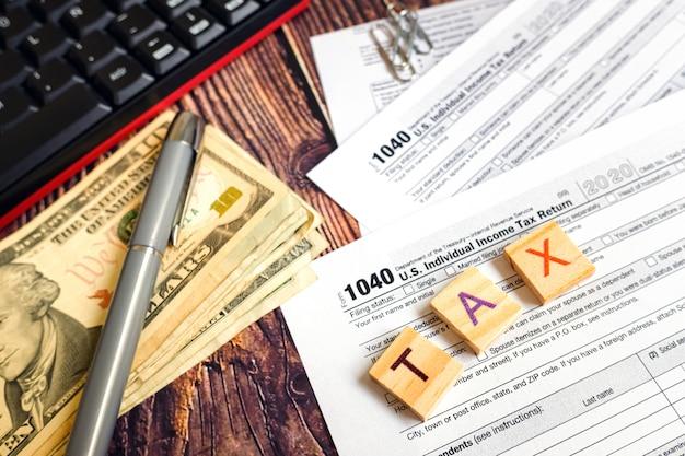 Dia de pagamento de imposto na américa.