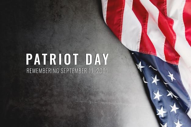 Dia do patriota dos eua, bandeira da américa em fundo preto