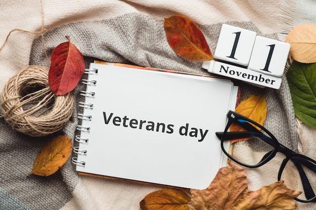 Dia dos veteranos do calendário do mês de outono de novembro.