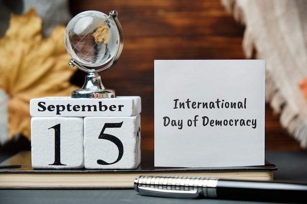 Dia internacional da democracia com decorações de outono