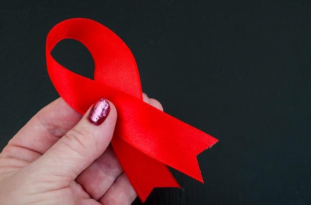 Dia mundial da aids com fita vermelha