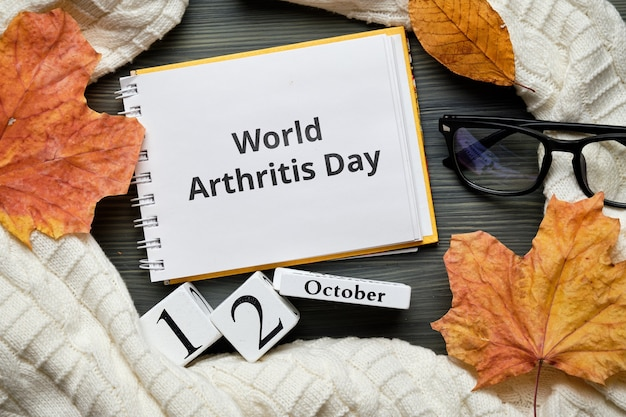Dia mundial da artrite do calendário do mês de outono outubro.
