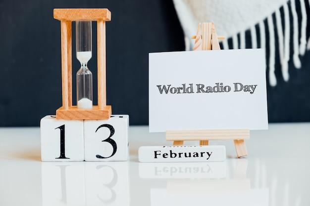 Dia mundial da rádio do mês de inverno, calendário de fevereiro.